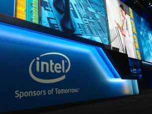 28 hour laptop battery? Intel says it be possible with new screen